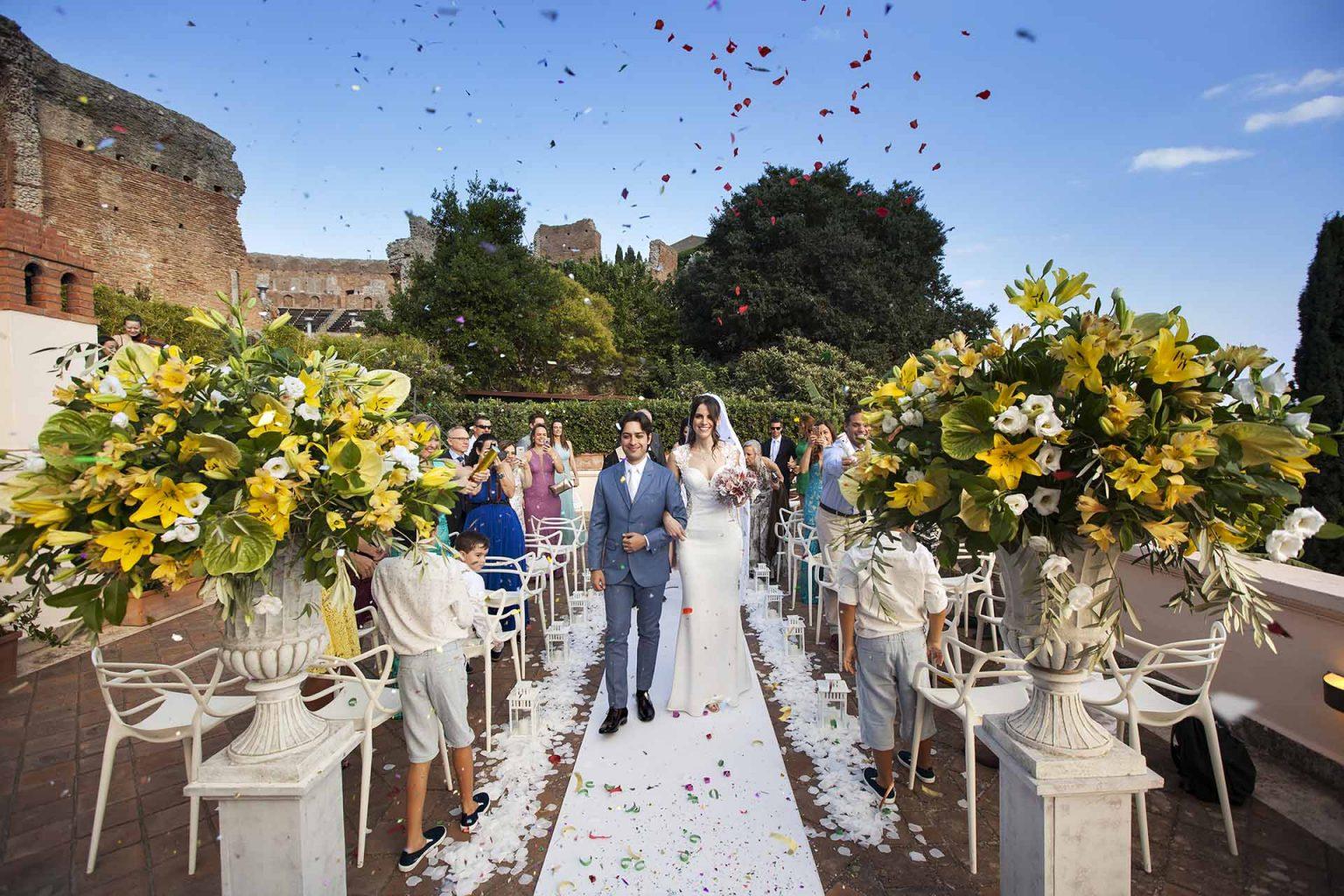 Foto matrimonio con fiori a Toarmina
