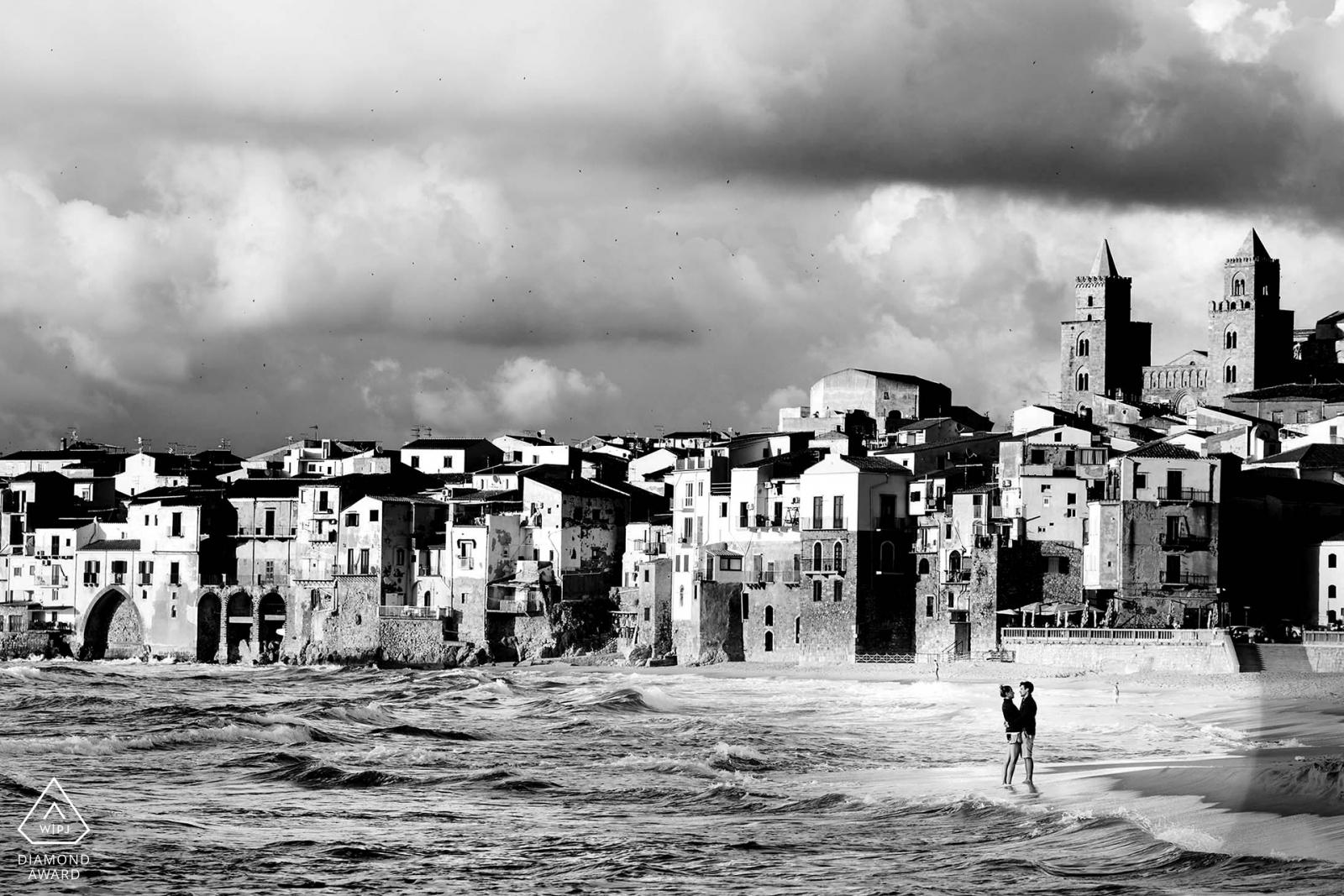 black and white diamond photo session in cefalù beach by Nino Lombardo Palermo Photographer