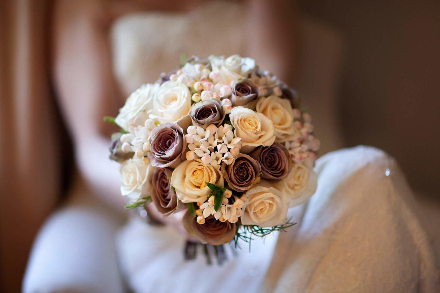 Bouquet della sposa, una foto di matrimonio di Nino Lombardo
