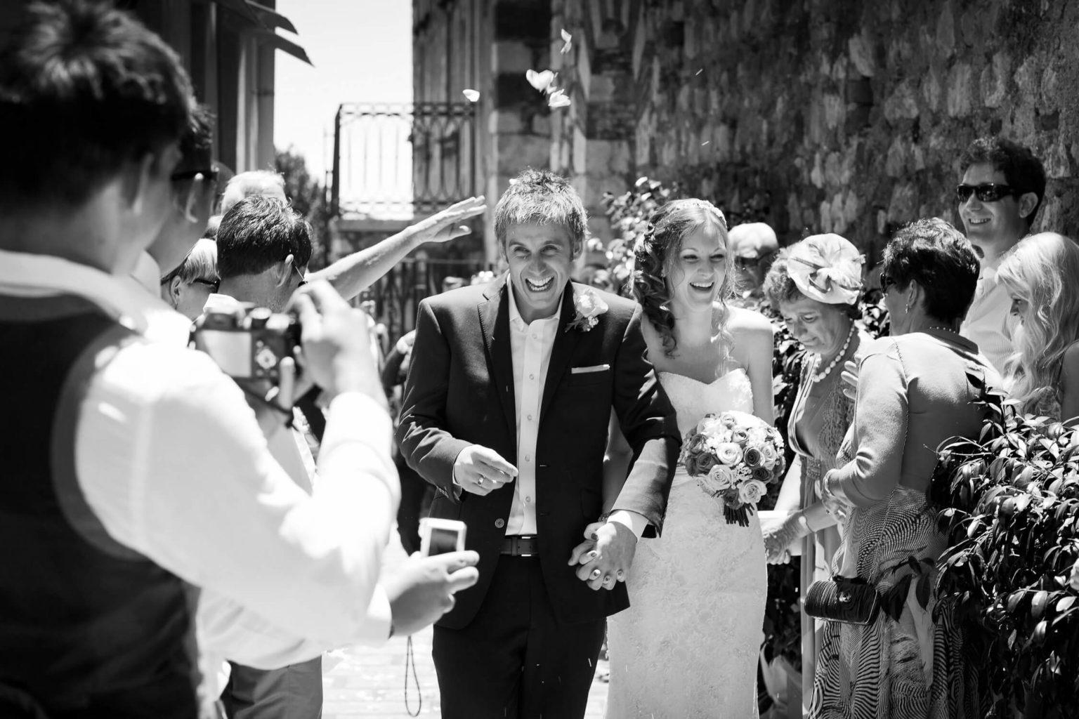 Sposi felici, una foto di matrimonio in bianco e nero di Nino Lombardo