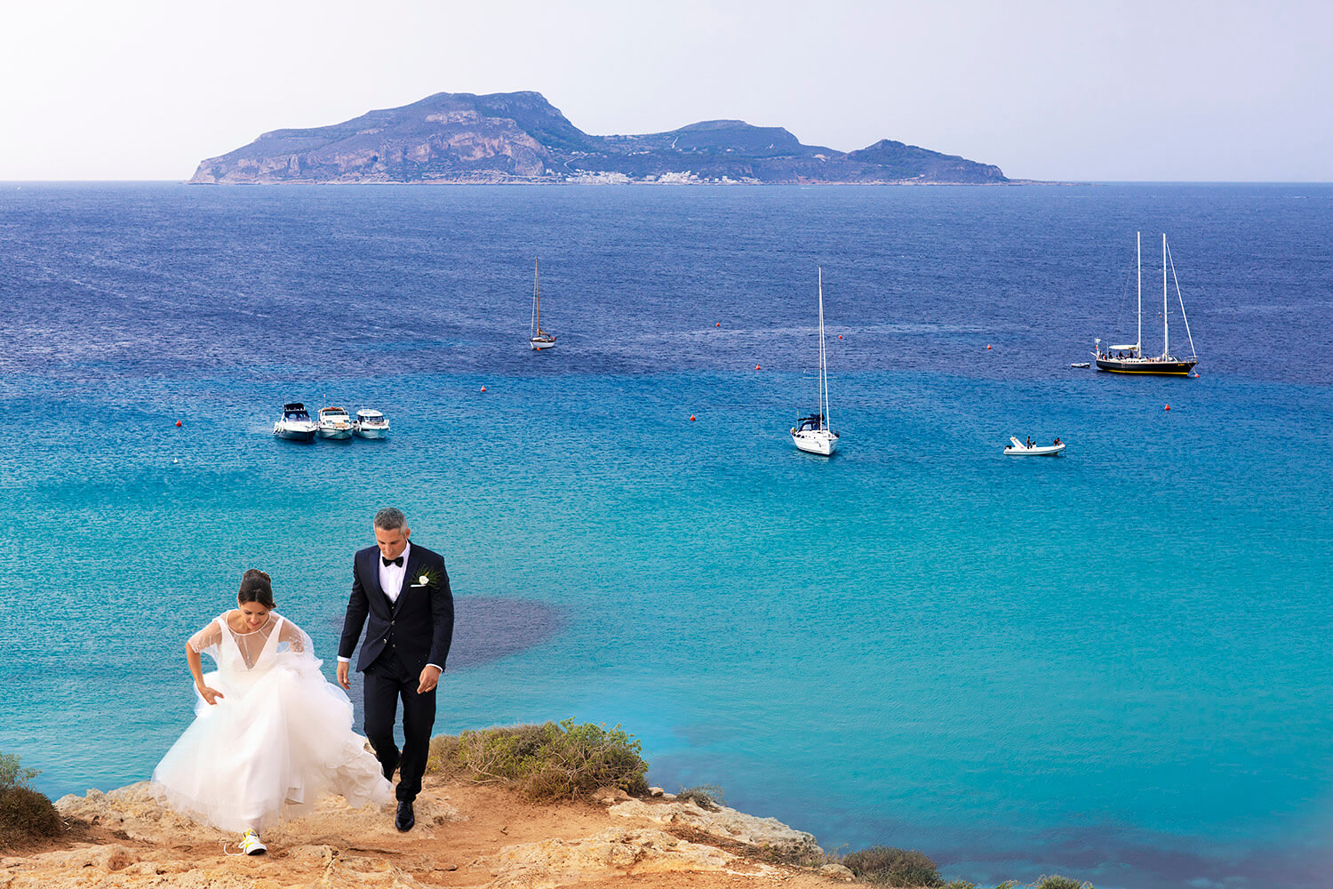 Wedding Reportage Spouses at Cala Rossa in Favignana, Shooting at the Egadi Islands by Nino Lombardo