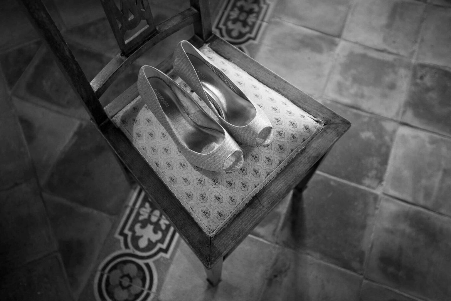 scarpe della sposa, foto bianco e nero per matrimonio di Nino Lombardo