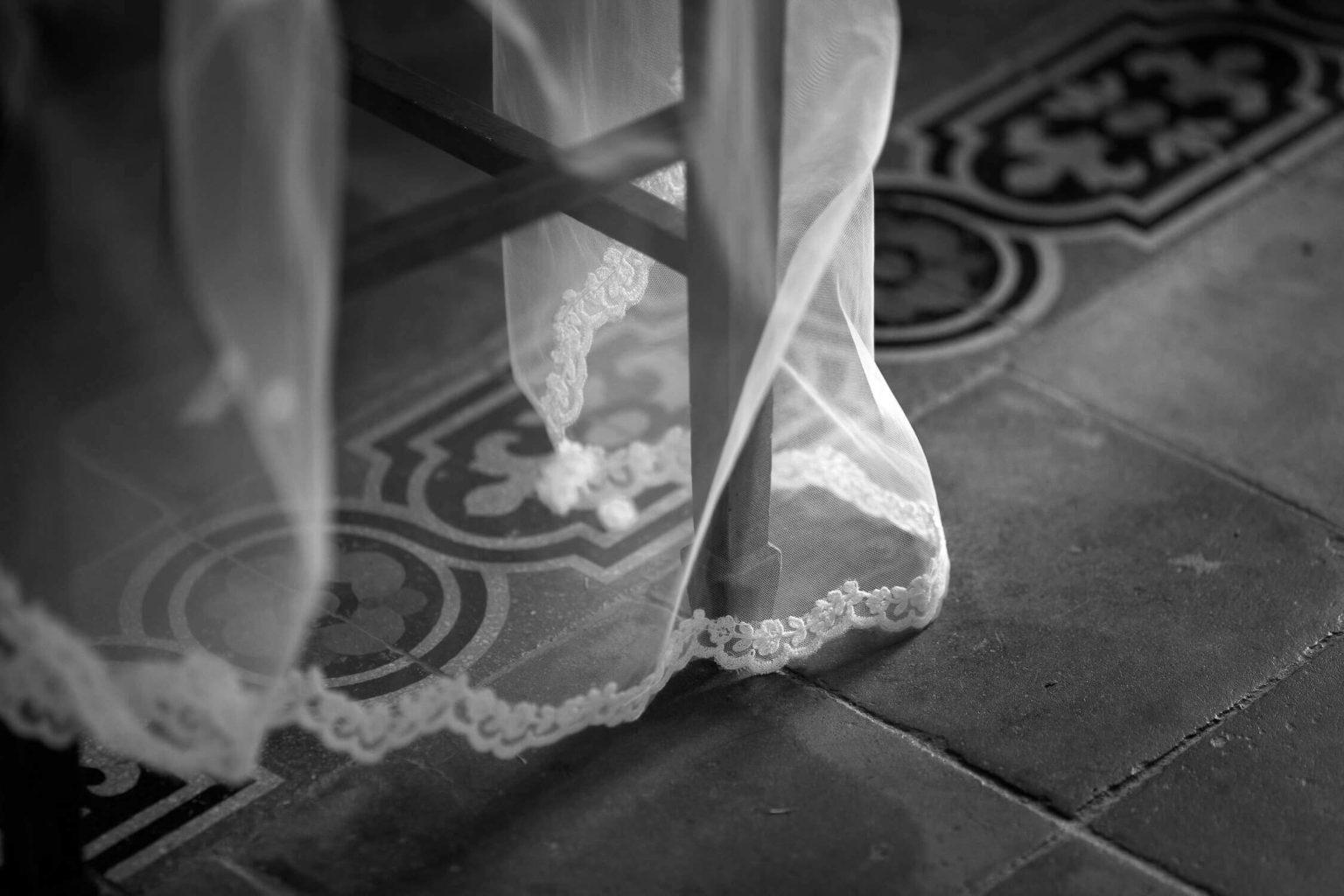 particolare del velo e pavimento siciliano, foto per matrimonio di Nino Lombardo