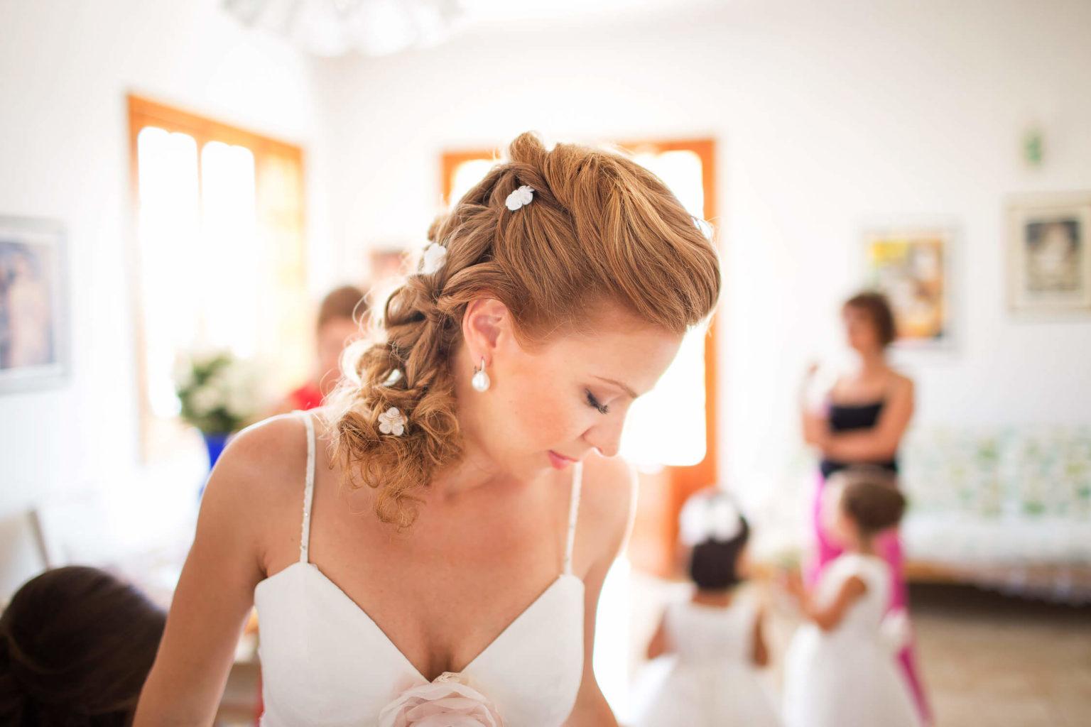 Fotografo a Menfi. I preparativi a casa della sposa ad Agrigento