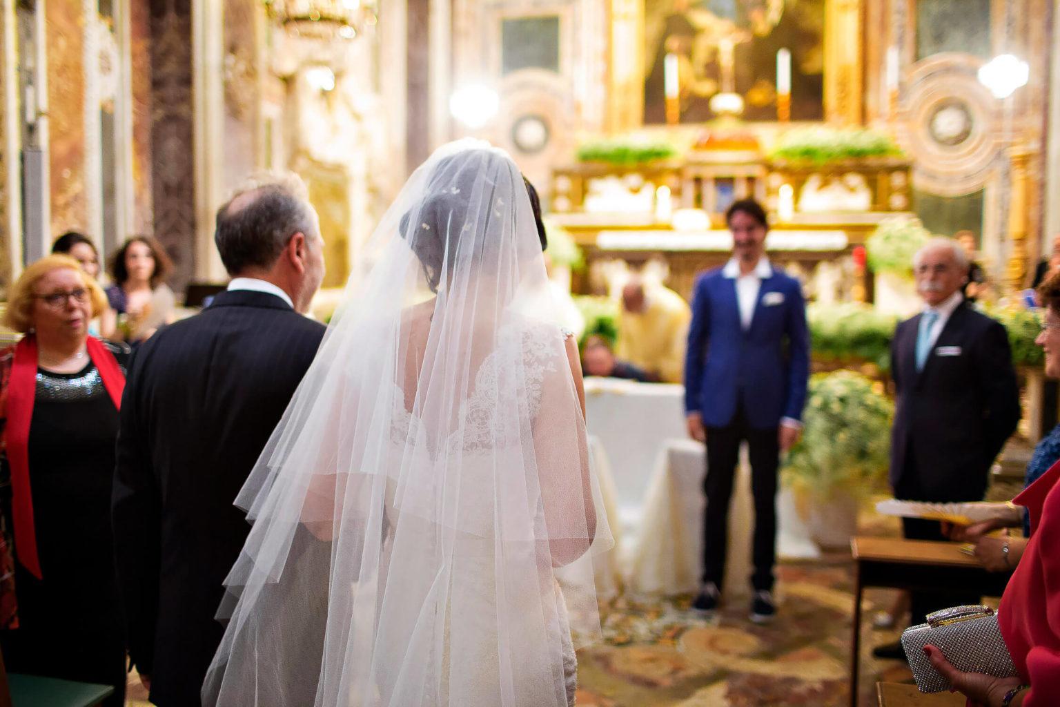 L'arrivo della sposa fotografata con scatti naturali a Trapani