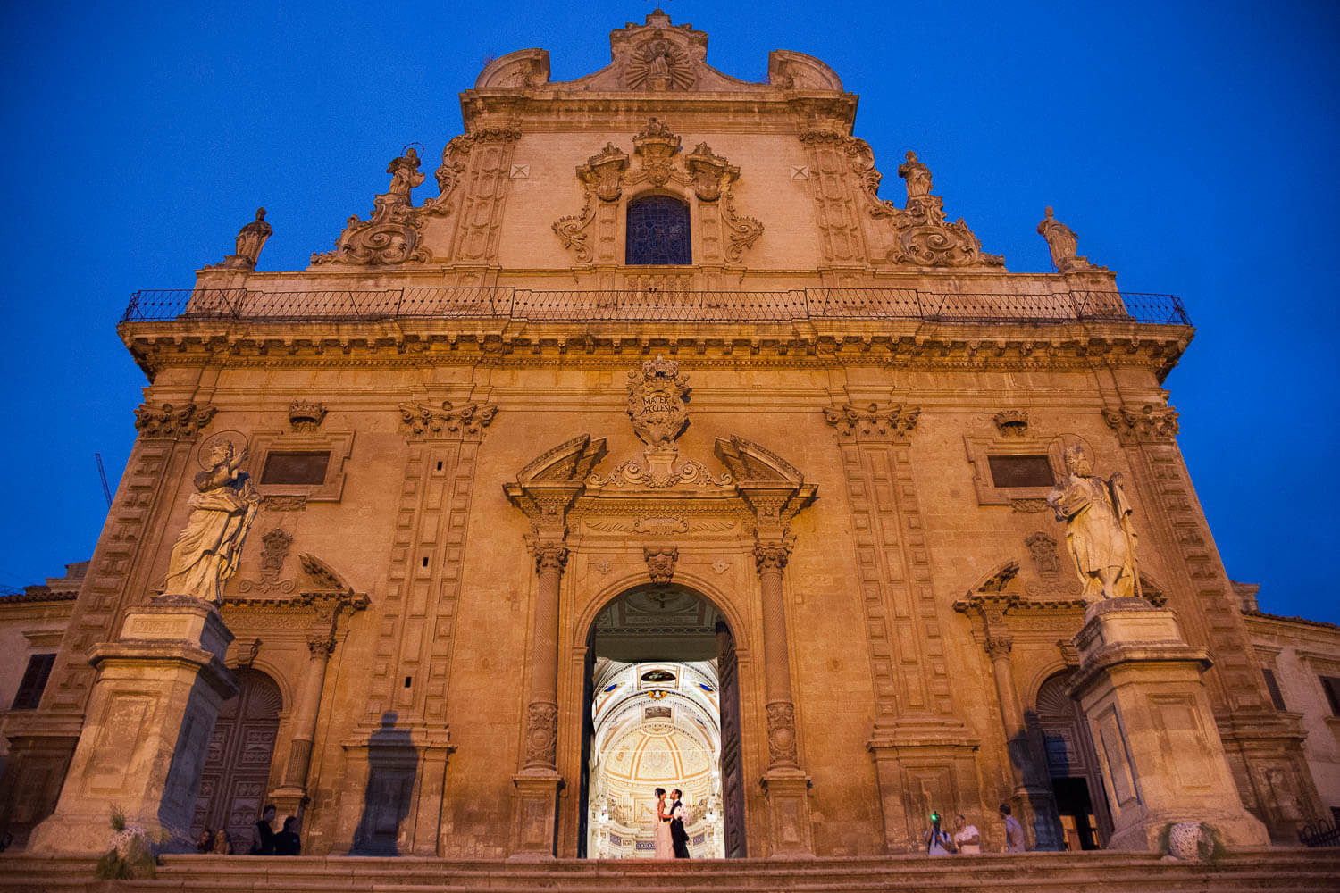 Photography of the Spouses in Modica city for wedding theme Baroque trend