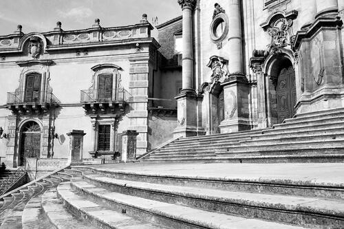 Duomo di San Giorgio Fotografo per matrimonio a Modica, foto bianco e nero per matrimonio di Nino Lombardo